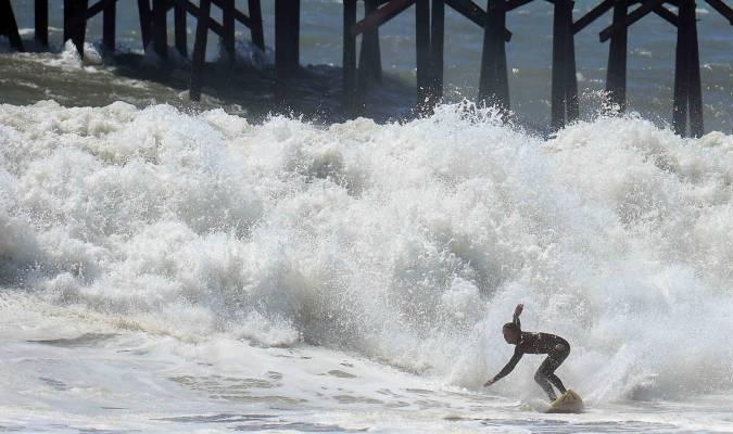 Surfeur téméraire