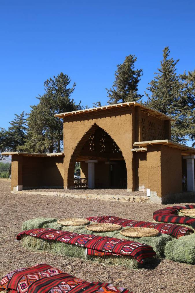 le kiosque musique de taanayel en terre en bois et en pierre maria pascalides l 39 orient le. Black Bedroom Furniture Sets. Home Design Ideas