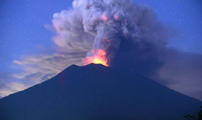 A Bali, Agung se fâche